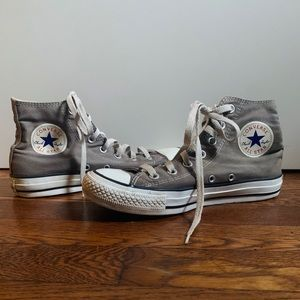 Gray mid top Converse Chucks